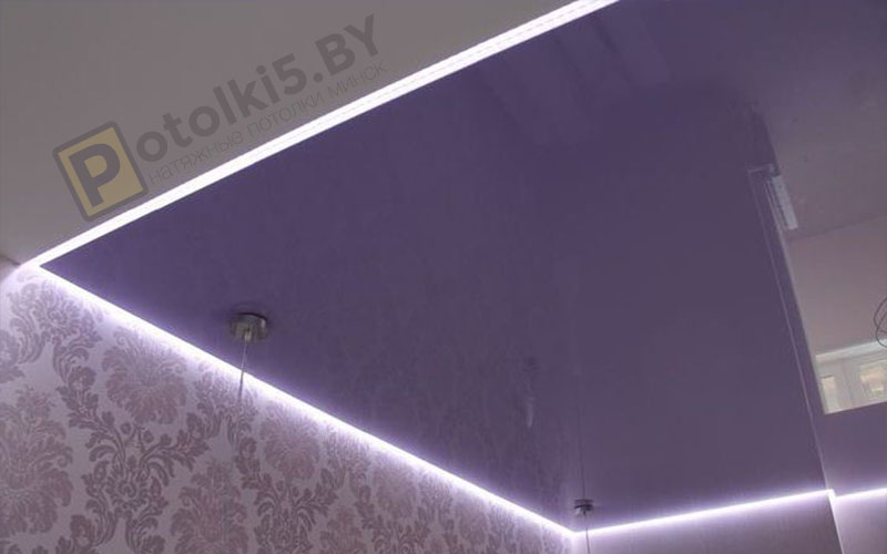 Глянцевый «Парящий» потолок с подсветкой в спальню 10 м²
