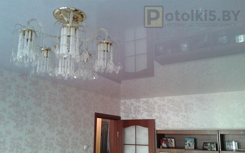 Глянцевый потолок в зал 16 м²