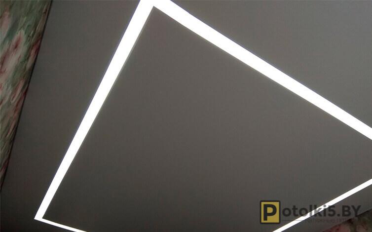 Матовый потолок со скрытой светополосой
