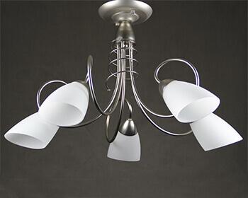 Люстра с лампой накаливания