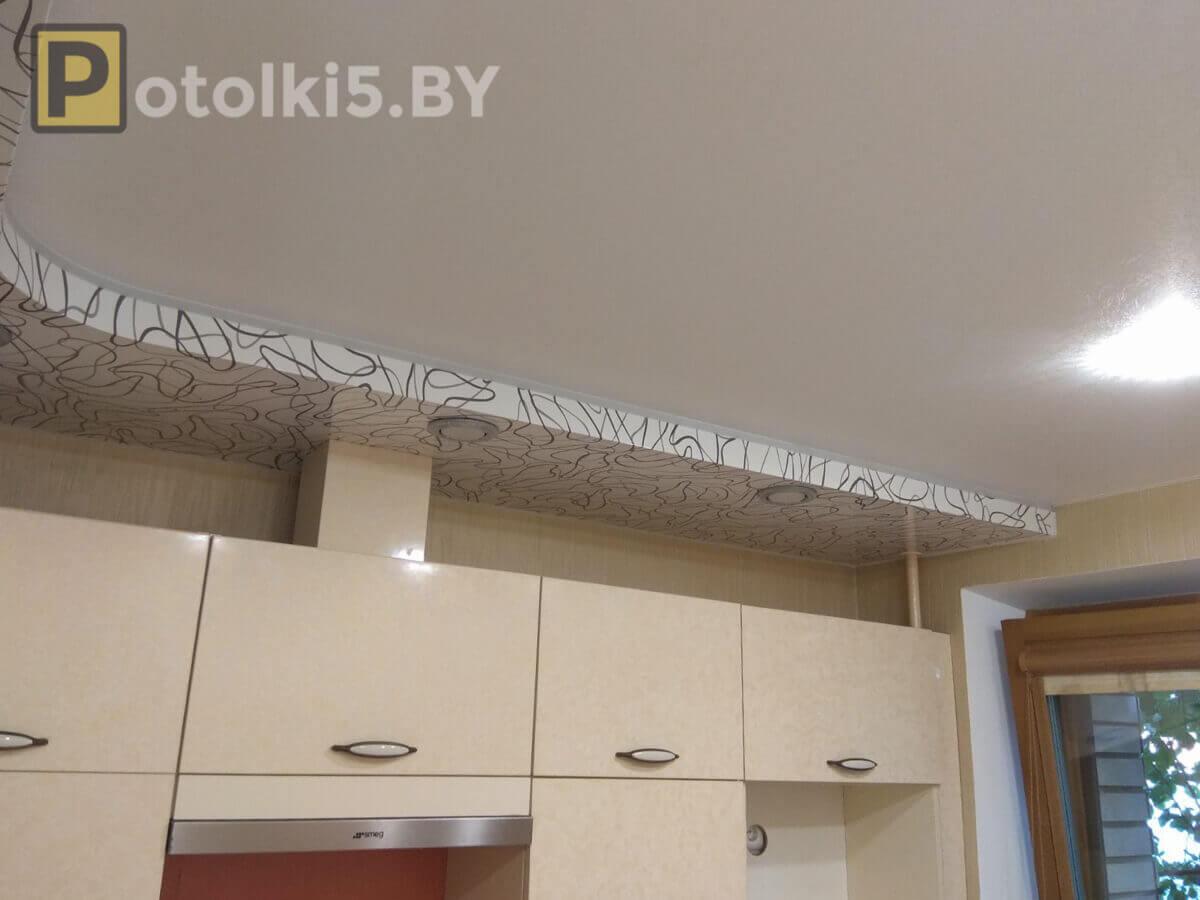 Двухуровневый матовый натяжной потолок в комплексе с эксклюзивным полотном (полоски), и подсветкой