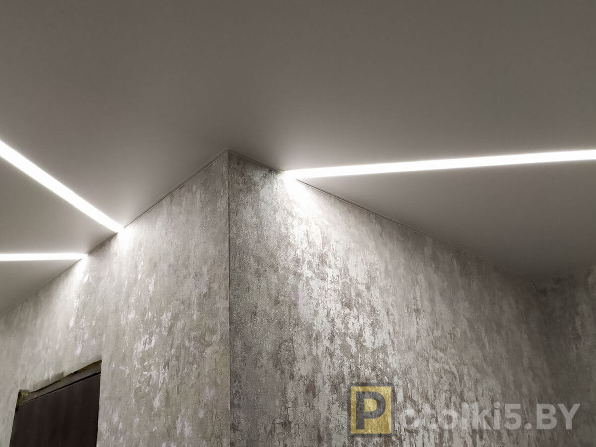 Готовый проект натяжного потолка - парящие линии 3см в коридоре, фактура мат