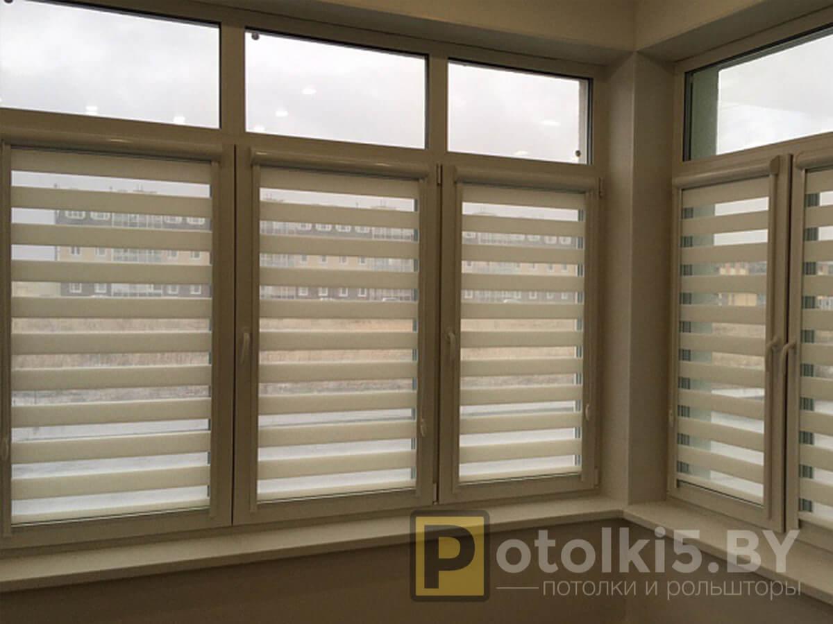 Готовый проект - рулонные шторы с тканью Зебра (светло-голубые)