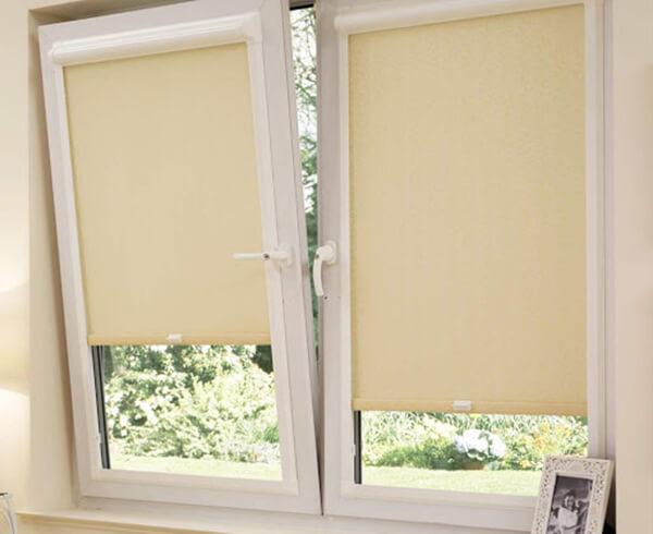 Рольшторы на поастиковые окна